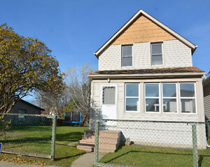 1150 sq ft. 3 Bedroom on DOUBLE LOT!