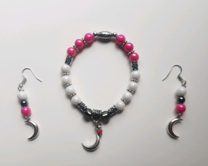 Assorted bracelet and matching earrings set