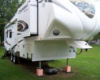 2014 CHAPARRAL LITE Coachman -STN553412 - Very Nice !!