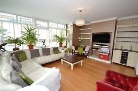 Beautiful newly decorated and modern 4 bedroom house in the heart of Wimbledon available for rent