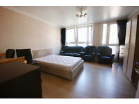 students -3/4 bed lounge used as the 4th bedroom in euston ideal for 4 students available 12th July
