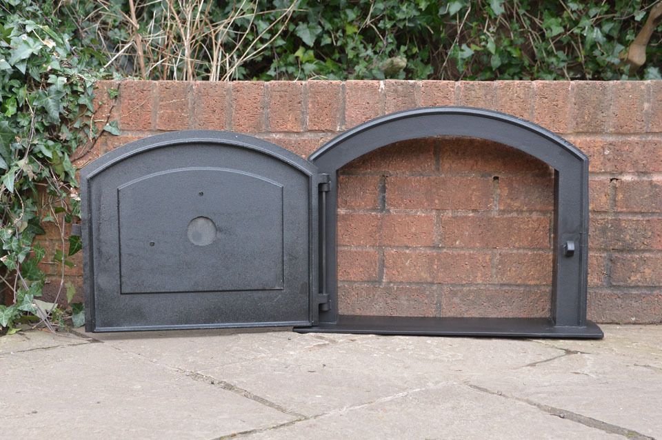 58 5 x 43 cm cast iron fire door clay bread oven doors for Door 2 door pizza