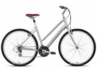 """Specialized women's hybrid bike 17"""" frame - comfy and in great condition"""