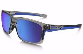 Oakley Mainlink Sunglasses Sapphire Iridium Lens Brand New,Instore Sells for £130 yours for £105 ono