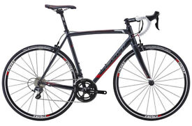 Road Bike/Bicycle - Fuji Roubaix 1.1 2016 - Shimano Ultegra Components - Almost New
