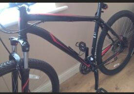 Specialized bike 22inch frame, all acsessories brand new, can be viewed