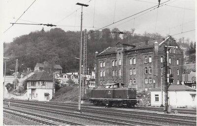 FOTO/REPRO CA 10X14 E-LOK 213333 IM BHF DILLENBURG BEIM RANGIEREN 1984 (G3061)