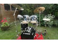 Save-5 piece Drum kit, includes everything!