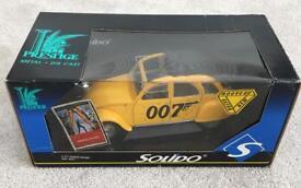 James Bond 2CV Model 1:18 Scale