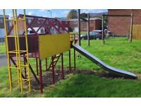 Play house with 2.5m slide / swing