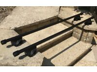 """Thule® Car/MPV/Van """"Rapid System"""" Roof Bars and Lockable Foot Pads in Excellent Condition"""