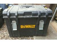 Ds400 dewalt toughsystem tool box