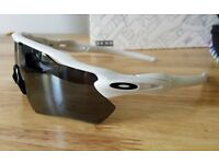 OAKLEY RADAR EV CUSTOM (***BRAND NEW***)