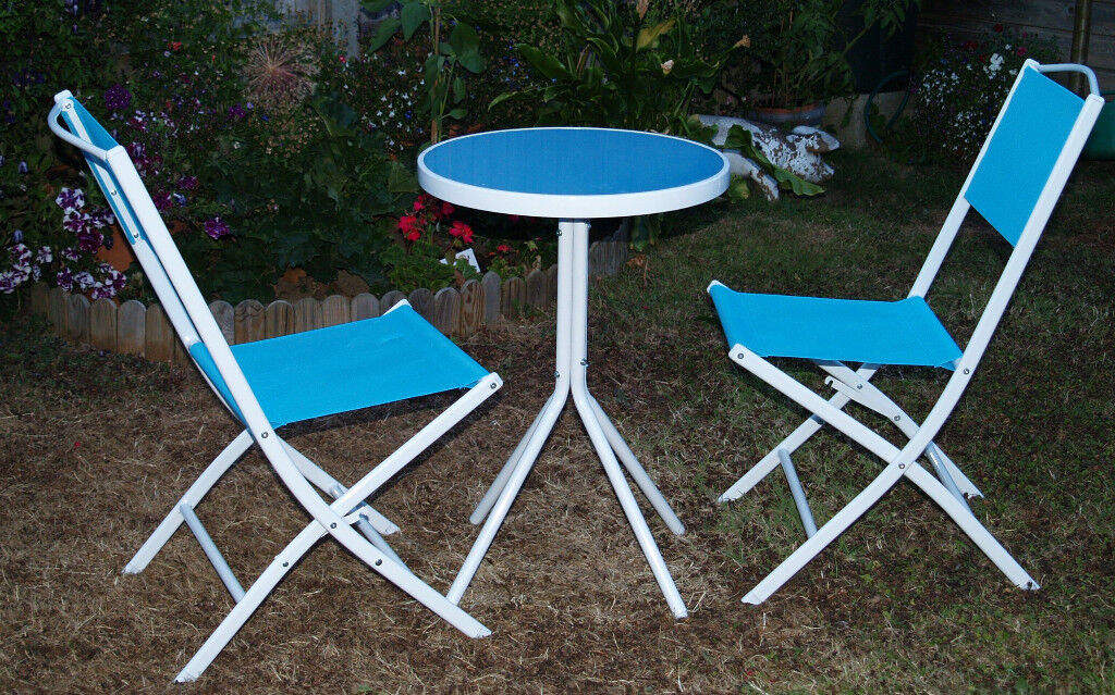 Small Round Garden Table Two Chairs