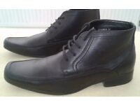 Brand New Men's Boots ~ Size 9 / Euro 43