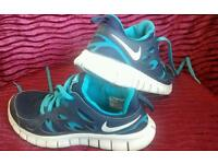 Nike free run 2 trainers - size 5