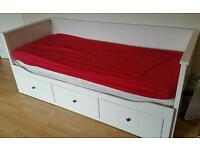 Ikea Hemnes day bed -White