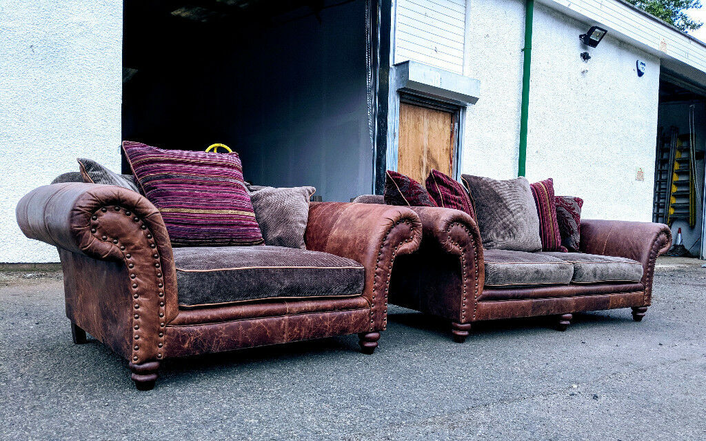 Distressed Tobacco Leather/fabric Chesterfield Style 3.5+ Cuddle Chair  DELIVERY AVAILABLE