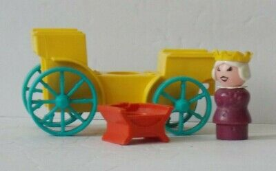FISHER PRICE Vintage LITTLE PEOPLE Play Family #993 Castle QUEEN, CHAIR, & COACH
