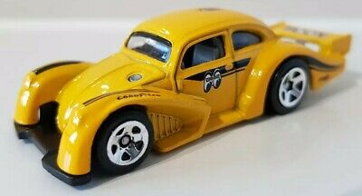 Hot Wheels Volkswagen Kafer Racer Yellow Moon Eyes Beetle 046/250 FYD55 5SP 1:64