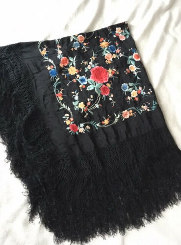 Vintage Antique Piano Shawl // Double-sided floral embroidered fringe
