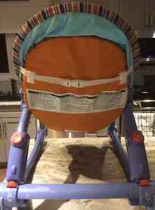 FISHER PRICE INFANT-TO-TODDLER PORTABLE ROCKER!! Peterborough Peterborough Area image 7