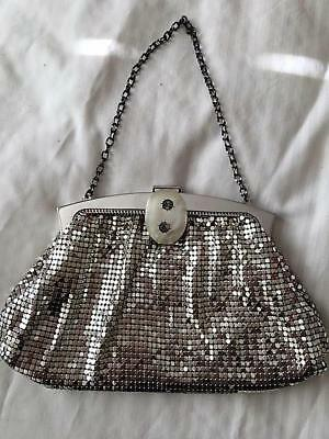 1930s Handbags and Purses Fashion Art Deco Whiting & Davis Silver Metal Mesh Bag/Purse C1930 $124.38 AT vintagedancer.com