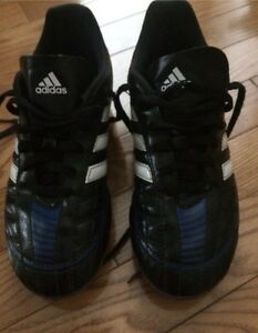 Adidas puntero soccer shoes