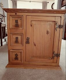 Lovely solid rustic cupboard and drawers
