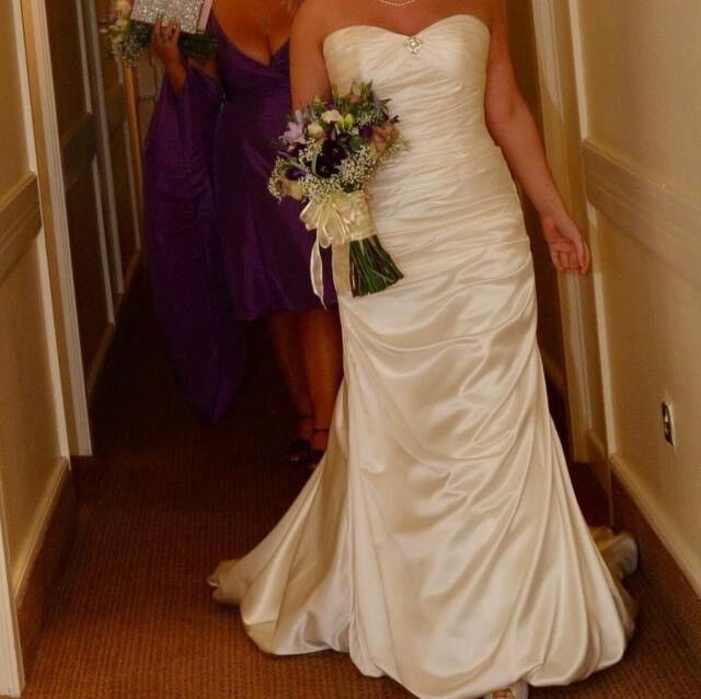 Mori Lee Ivory Satin Wedding Dress Size 10   in Horsforth, West ...