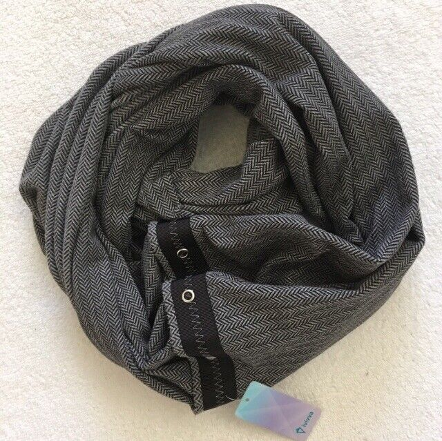 NWT Ivivva by Lululemon Village Chill Scarf Black Heathered Herringbone Gray O/S