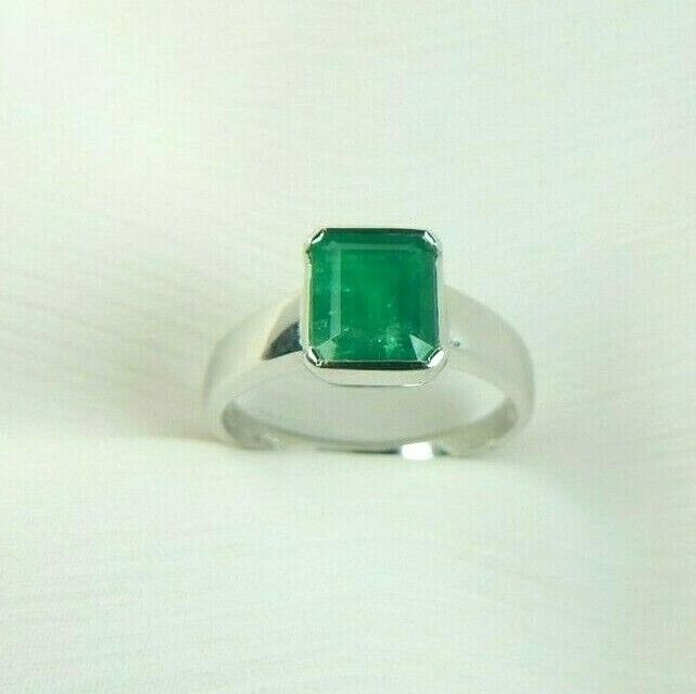 Colombian Emerald Ring 1.38 Cts Emerald Cut 18K Gold Size 6.75 US Fine Jewelry