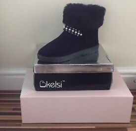 Black suede boot sizes 8 and 3