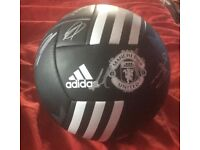 Signed manchester united football OPEN TO OFFERS