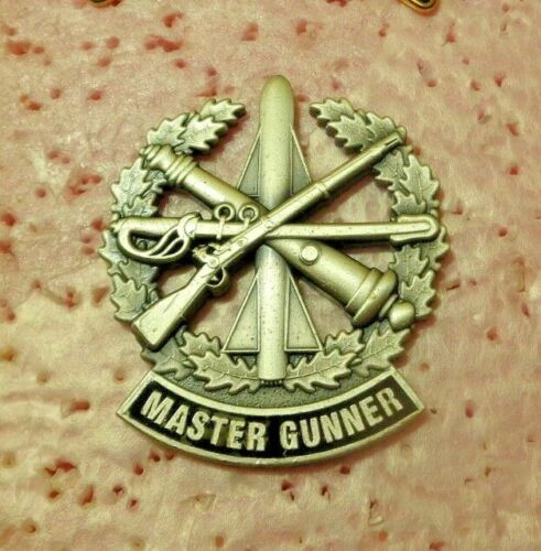 US ARMY BADGE, MASTER GUNNER , FULL SIZE , OXYDISED