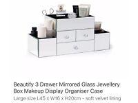 Mirrored 3 drawer beauty box