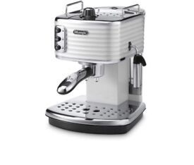 DeLonghi Coffee Maker Machine- nearly BRAND NEW! RPR 189.99£.