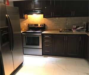 Rooms for rent available (oshawa N/Grandview taunton)