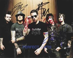 AVENGED-SEVENFOLD-BAND-x5-THE-REV-SIGNED-10X8-PP-REPRO-PHOTO