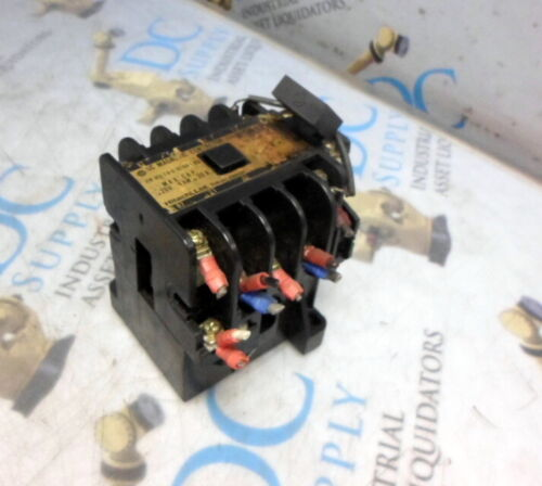 HITACHI K15N-EP 220 V 4 kW 20 A AC MAGNETIC CONTACTOR