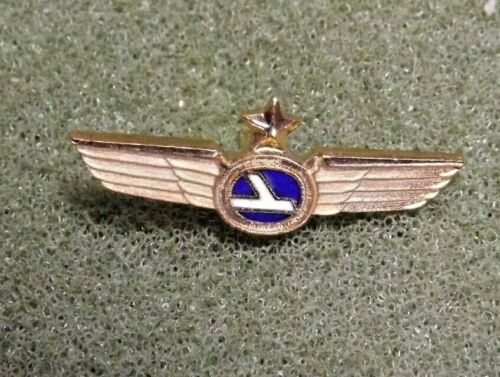 Eastern Air Lines Logo Lapel Pin Tie Tack Pilot Wings w/ Star Flew 1926 - 1991