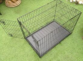 Medium size Folding pets dog cage medium size very good condition