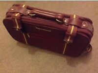 INTERNATIONAL - Leather travel Suitcase, perfect condition throughout
