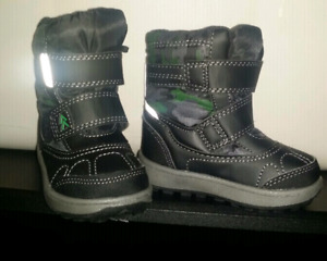 Weather Spirit toddler boots size 5