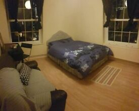 **AVAILABLE NOW** Room to rent near Canning Town - Doubles & STUDIO