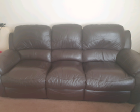 BROWN LEATHER SOFAS 3+2