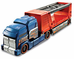 HOT WHEELS CRASHIN' BIG RIG - VEHICLE TRANSPORTER/HAULER