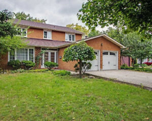 FABULOUS 4+2Bedroom Detached House in VAUGHAN $1,649,000 ONLY