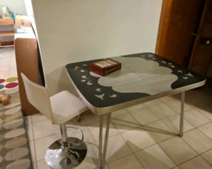 Retro work table and chair