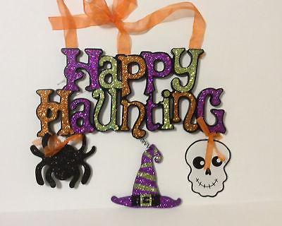 HL Halloween Decor - Happy Haunting Chucky Glitter - Happy Halloween Glitter Sign